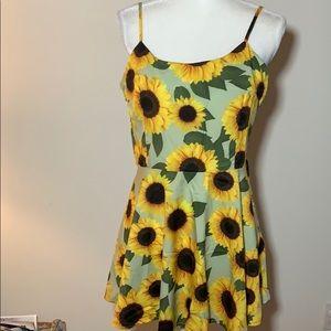 Sweet sunflower sun dress🌻🌻🌻